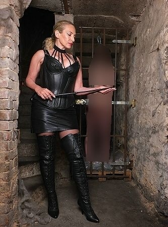 domina mit sklave anal training