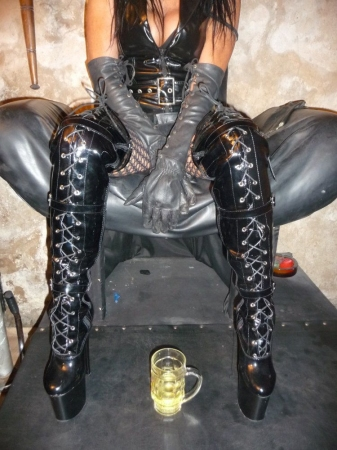 domina in duisburg sex in aschaffenburg