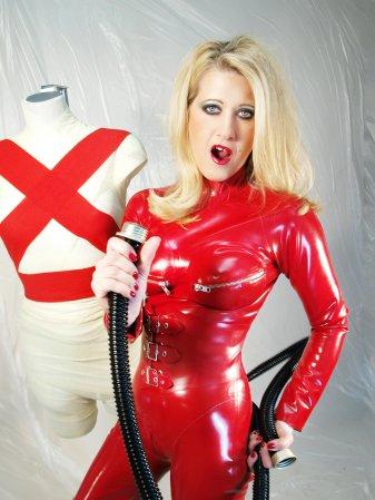 sanfte erotik latex and nylon